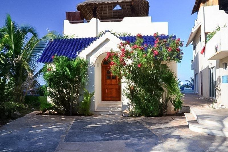 El Castillo Maya 2 Isla Mujeres with Lost Oasis Vacation Rentals